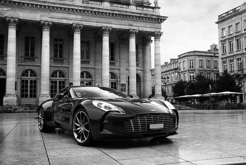 Percheziții comune româno-germane la comercianți de autoturisme de lux second-hand