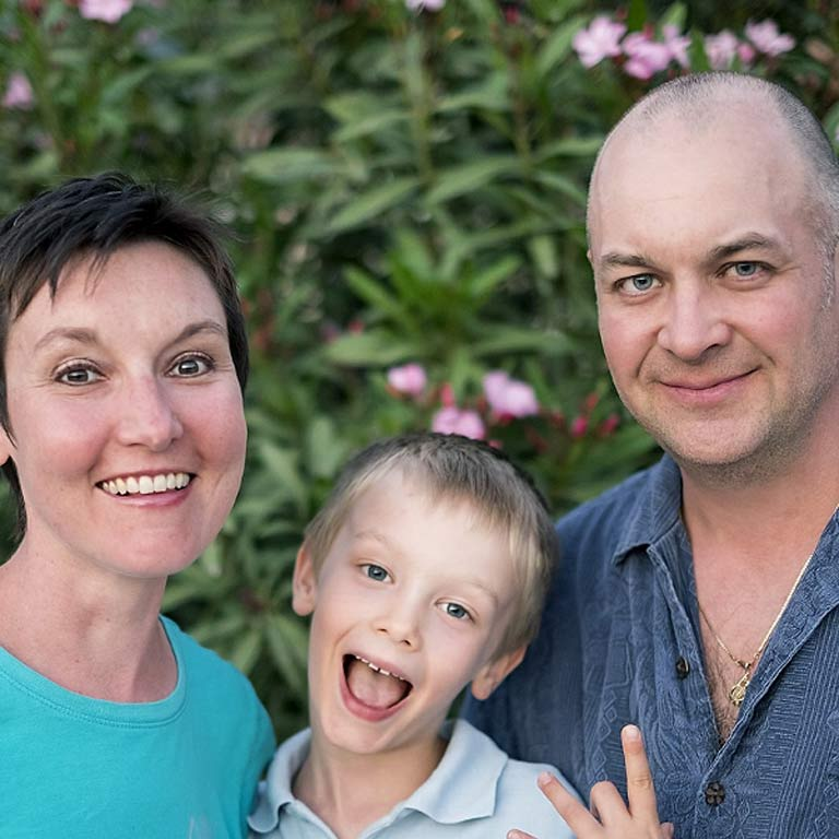 Tracey, Rob and Makai are a Canadian family who has been travelling and doing some house sitting along the way since April 2014.