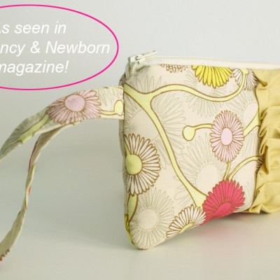 {new ~ Daisy wristlet/clutch}