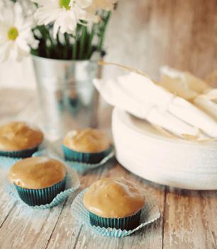 {saturday craft: Banana Cupcakes with Caramel Frosting!}
