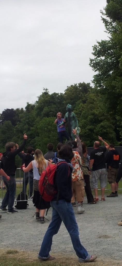 La statue du parc se souviendra du passage de Didier Wampas.