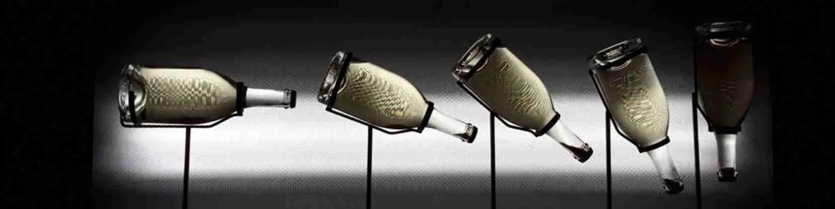Per conquistare una bellissima escort Brescia, offrile un buon calice di vino Franciacorta.