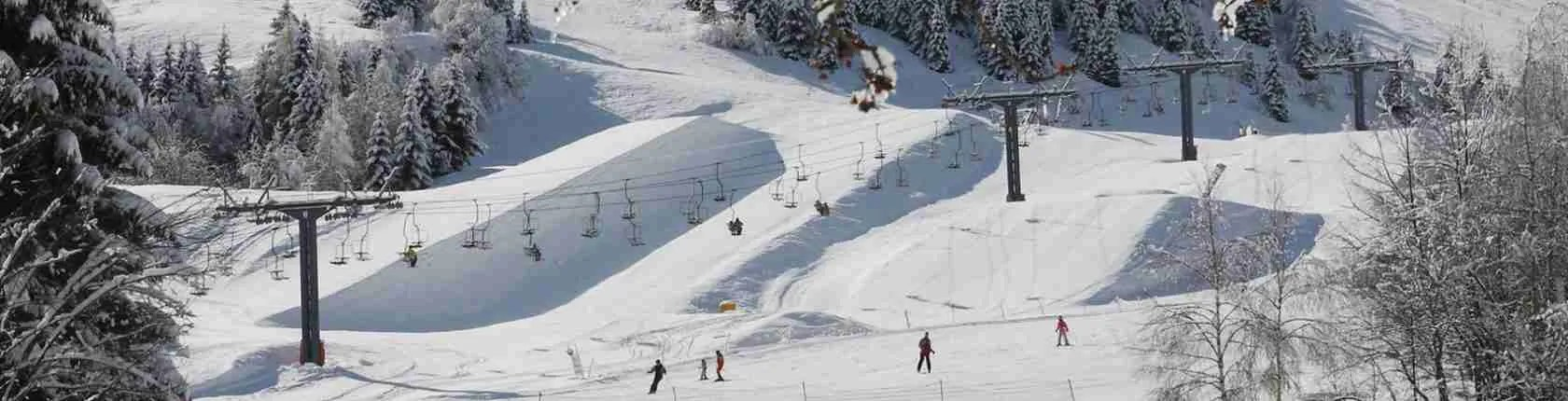 Le escort Trento amano sciare lungo le piste da sci del comprensorio dolomitico che circonda la città di Trento.