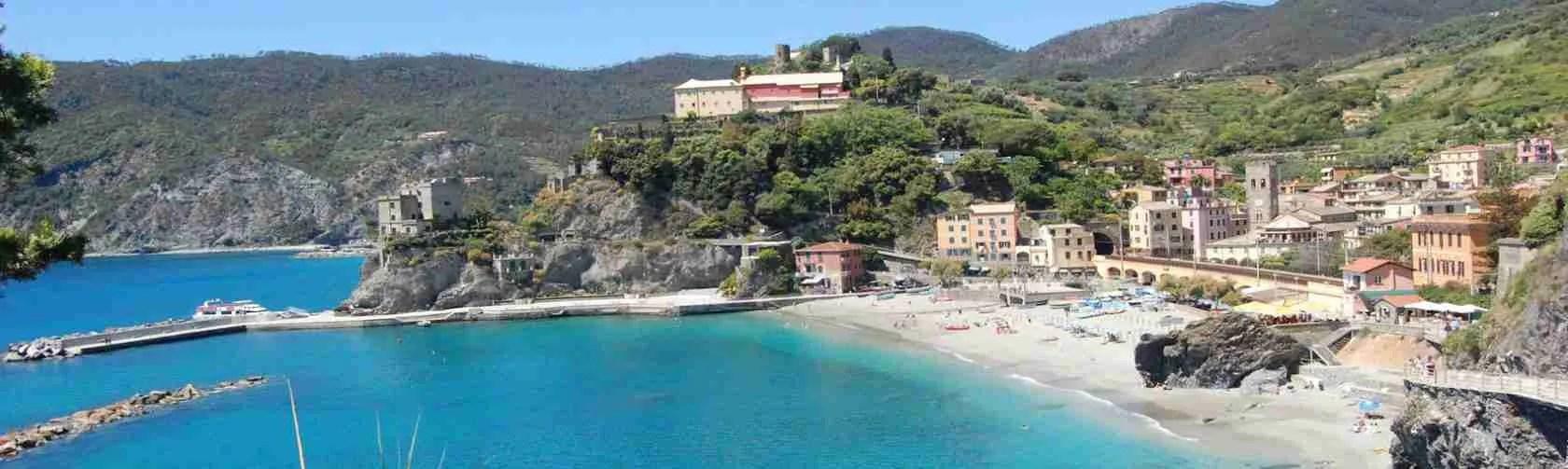 Le Cinque Terre sono il posto perfetto per una vacanza con una escort La Spezia. Magica Escort