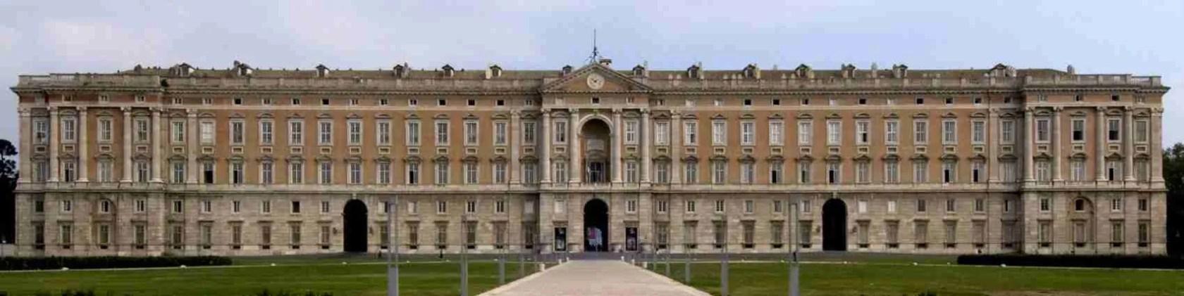 Una visita alla Reggia di Caserta in compagnia di una escort Caserta è una tappa obbligata.