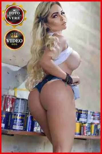 Yasmin escort Brasil è eccitante in questa foto di anteprima.