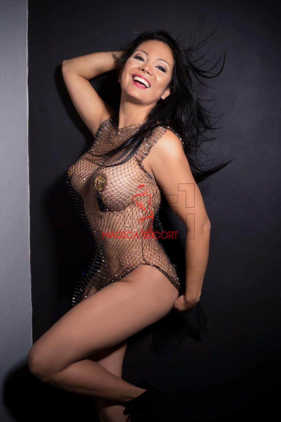Vanessa accompagnatrice colombiana ha un seno perfetto. Magica Escort