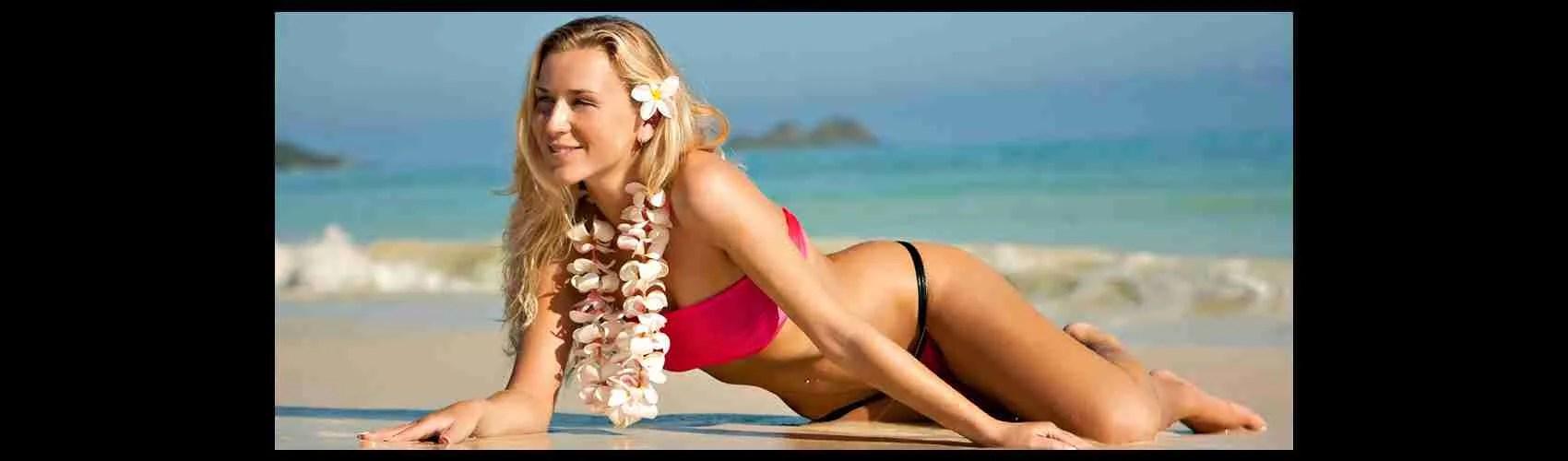 Una bellissima top class escort Sassari in spiaggia. Magica Escort