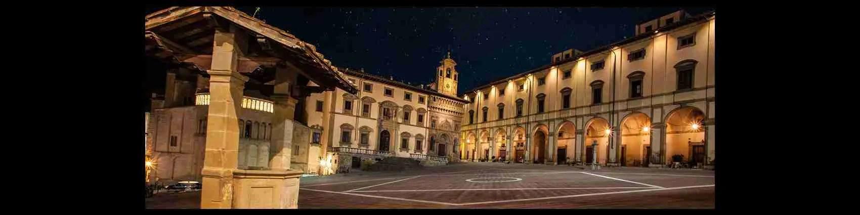 Piazza Grande ad Arezzo. Il punto di ritrovo per escort ed accompagnatrici. Magica Escort