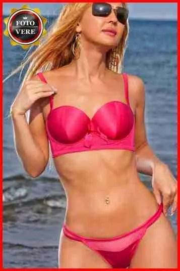 Elly escort Napoli in bikini. Magica Escort