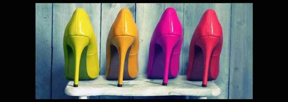 Splendide scarpe senza etichette sulla suola. Magica Escort