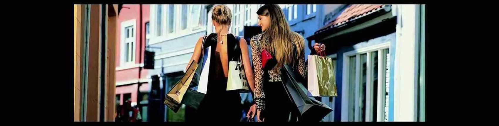 Lo shopping delle escort Caserta al Reggia Designer Outlet. Magica Escort