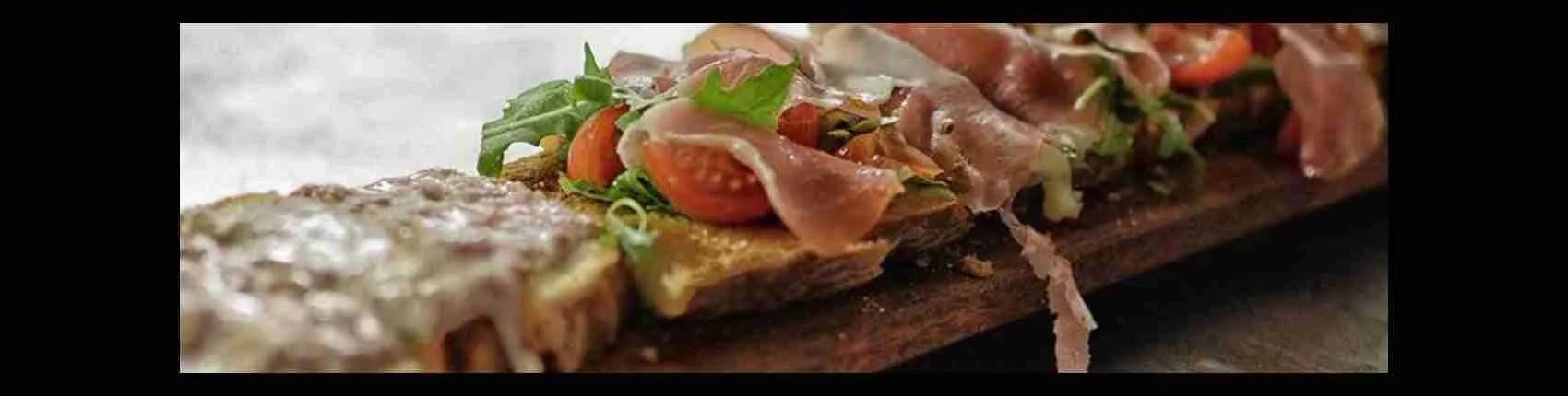 Se vuoi prendere per la gola una escort Firenze, un panino con il lampredotto e un buon calice di vino sono la scelta perfetta a Firenze. Magica Escort