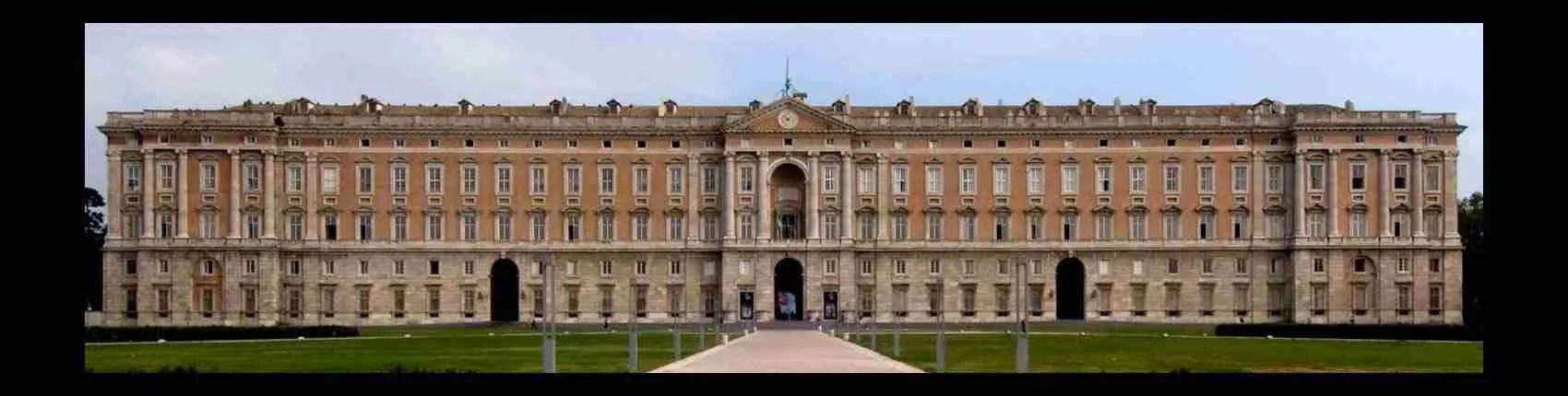 Una visita alla Reggia di Caserta in compagnia di una escort di Caserta è una tappa obbligata. Magica Escort