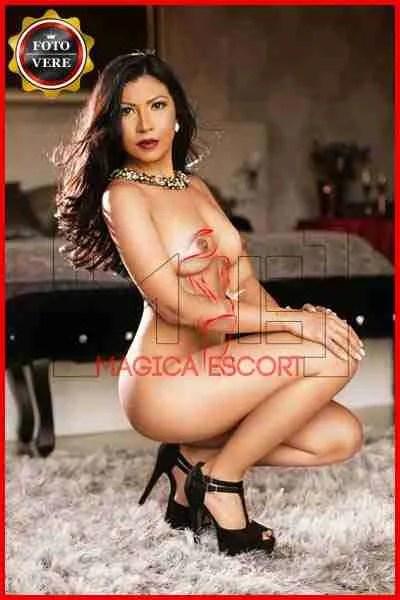 Valentina escort high level. Magica Escort