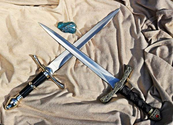Athame & Daggers