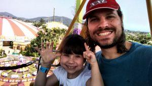Beto Carrero com criança pequena