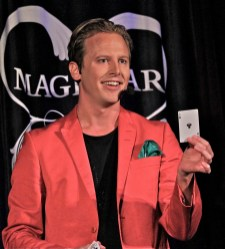 Carl Tillenius med spelkort