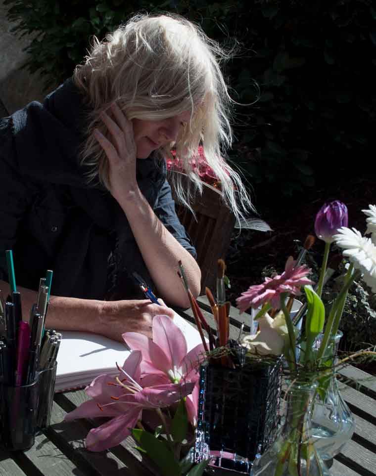 Drawing in the garden, flower inspiration,