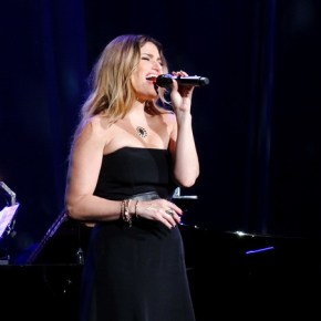 Idina Menzel Live in Concert