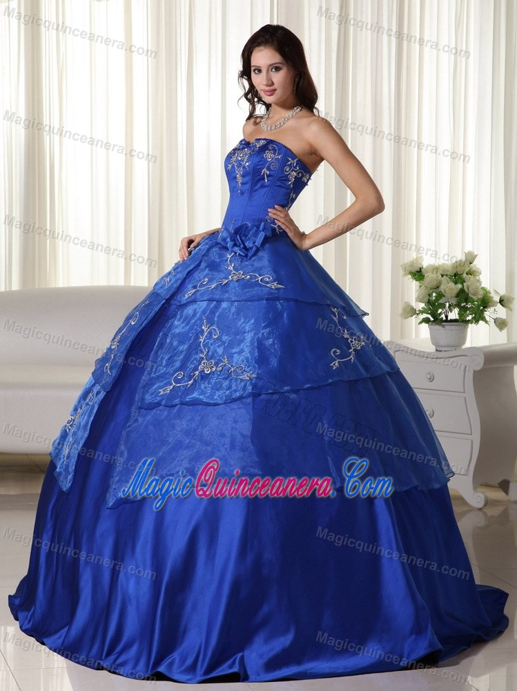 Royal Blue Ball Gown Quinceanera Gown With Embroidery For