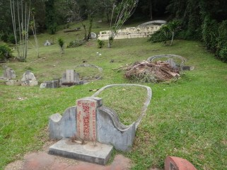 graves on chinese hill Melaka