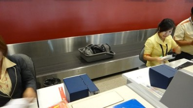 Tanyas bag on the check in conveyer