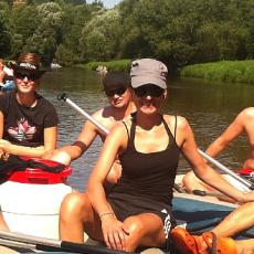 Der Sommerspaß: Schlauchboot Touren auf der Moldau