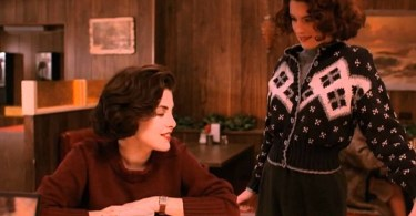 Donna e Audrey in Twin Peaks indossano dei maglioni