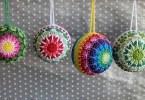 Kakotille Maillalenvers e il suo schema di decorazioni mandala di Natale