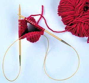 Lavorazione magic loop con un ferro Knina di Tulip