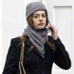 Anne Hataway indossa un berretto realizzato con Polonio