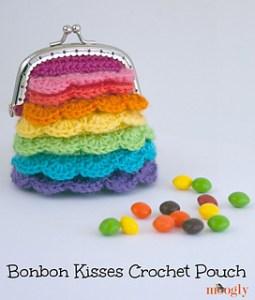 borselllino uncinetto punto coccodrillo arcobaleno contro noia quarantena