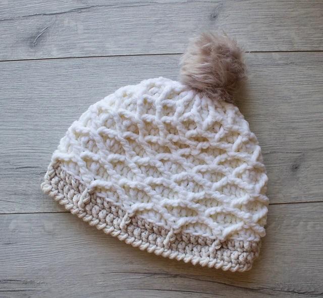 Berretto Diamond Beanie Hat di Jessica Venture