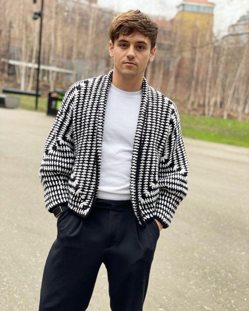 Un maglione a uncinetto creato da Tom Daley, foto presa dal suo account IG