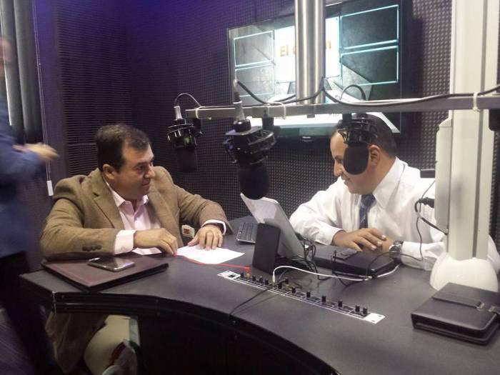 En vivo por Noticieros 7 Radio por Magnética 107.1Fm en entrevista con el Director de interapas Alfredo Zúñiga Hervert.