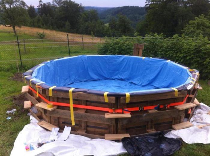 Como-hacer-una-piscina-con-10-palets3
