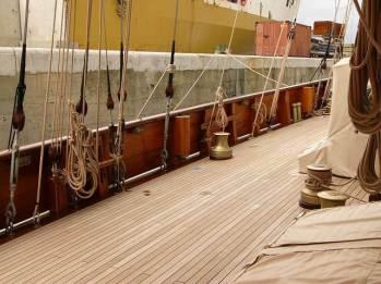 Manutenzione lavorazioni in legno barca a vela