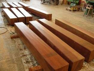 Travi di legno per opere portuali