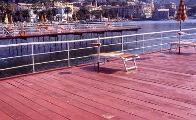 Pontile in legno per stabilimento balneare