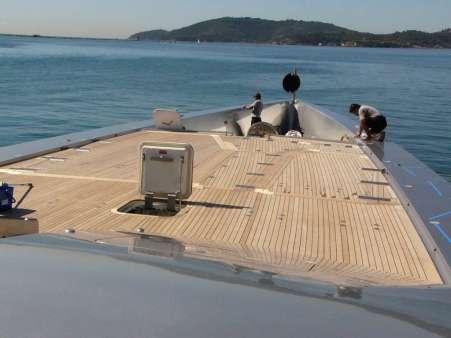 Coperte in legno teak per yacht