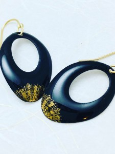 black-gold-earring