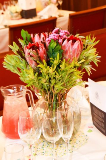 Cambridge_wedding_Walker-1523_south_african_flowers_table