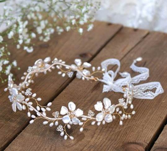 Vintage style wedding bride hair piece as featured on the Unique Bride Journal