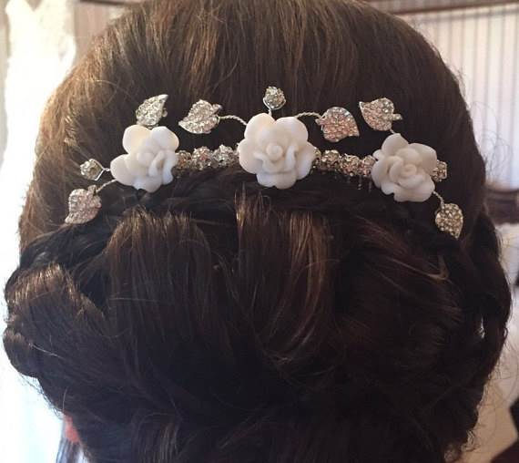 Etsy vintage style wedding hair comb as seen in the Unique Bride Journal
