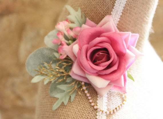 Vintage flower wedding hair clip as seen in the Unique Bride Journal