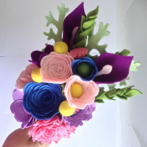 How to have a colourful wedding with Flipside Bride bouquets