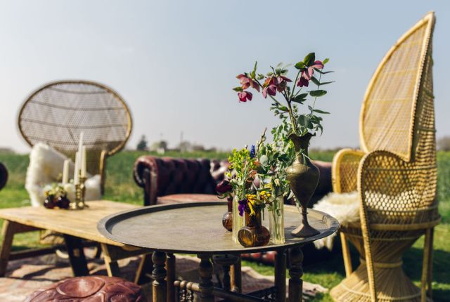 How to create a wedding chill out area