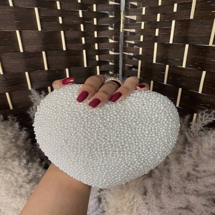 original_heart-shaped-pearl-clutch-bag