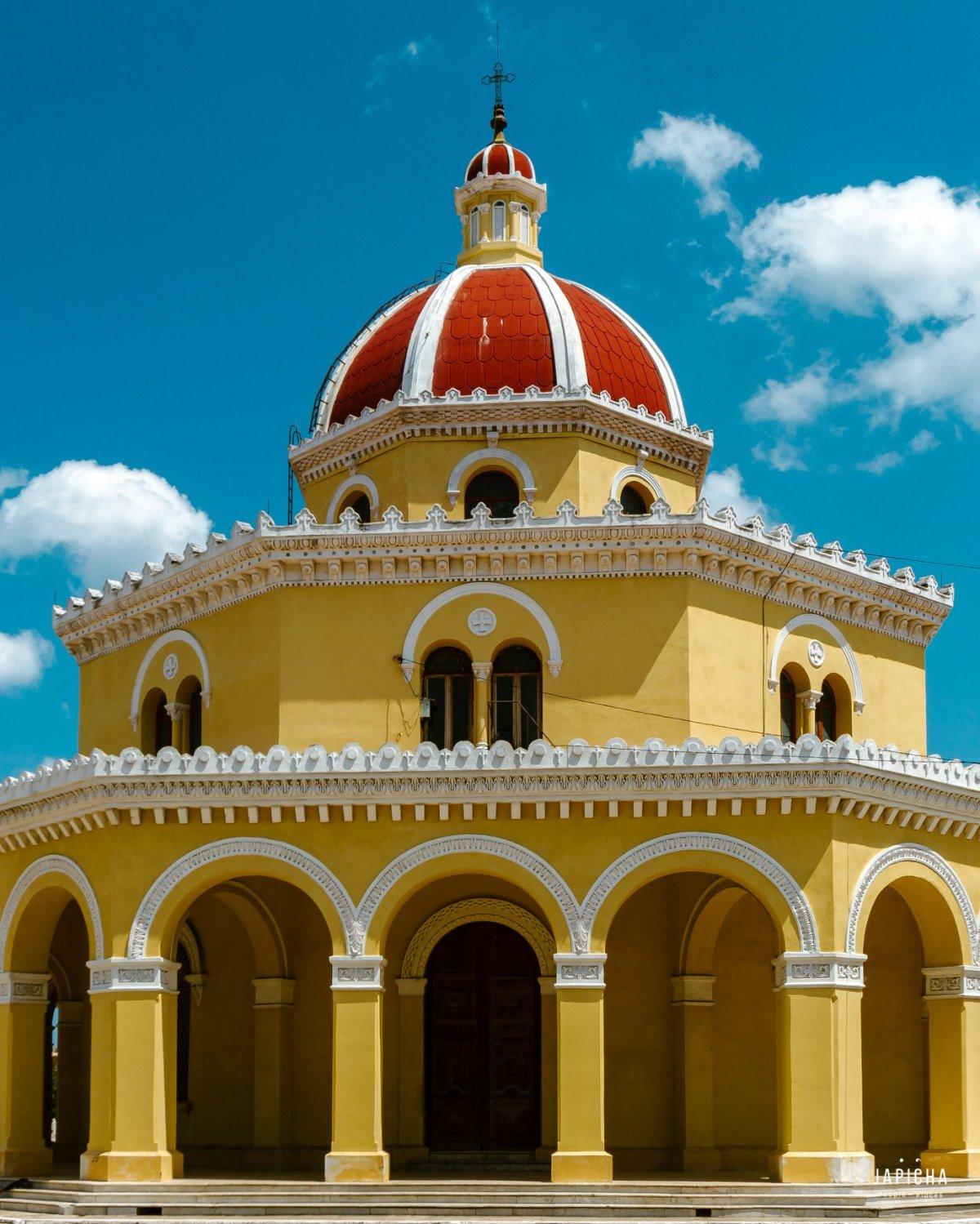 The Colon Heroes Cemetary in Havana | by Japicha